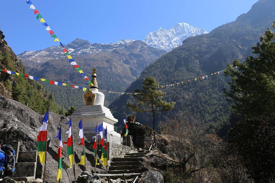 Stupa on the way to EBC Trek